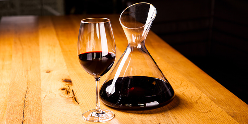 How Long Can a Bottle of Wine Last if Stayed Open?